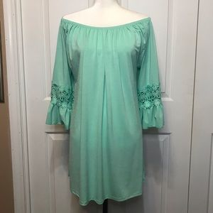 • Mint Green Ruffle Sleeve Tunic Coverup L/XL •
